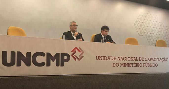 """Assista à palestra de Fábio Medina Osório """"Lei de Improbidade, Lei Anticorrupção e repressão aos atos lesivos ao Erário Público Municipal"""""""